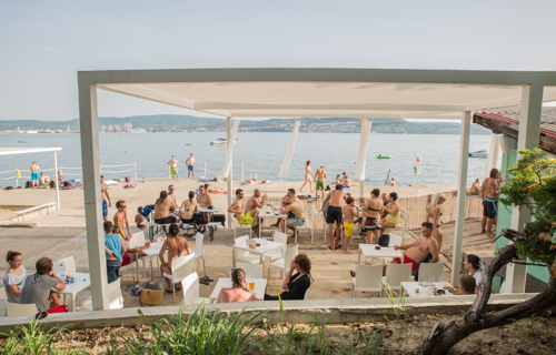 Things to do-beaches-Študent