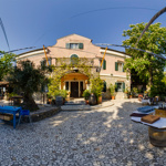 Places to stay-Vila Andor